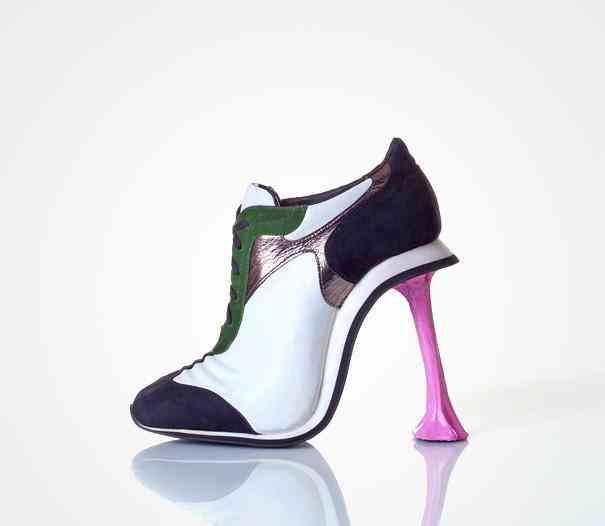 kobi-levi-shoes-guma de mestecat
