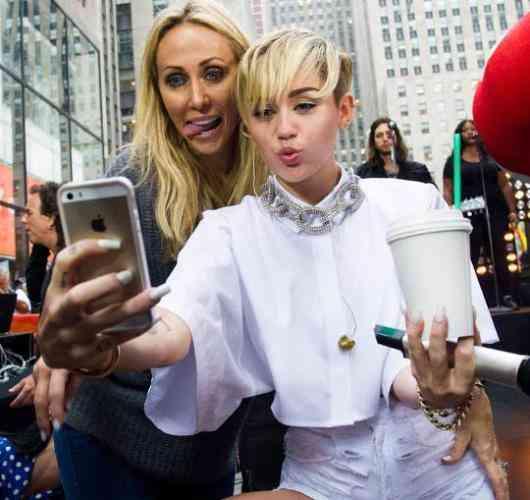 Miley_Cyrus si mama ei