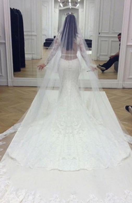 kim kardashian rochie de mireasa