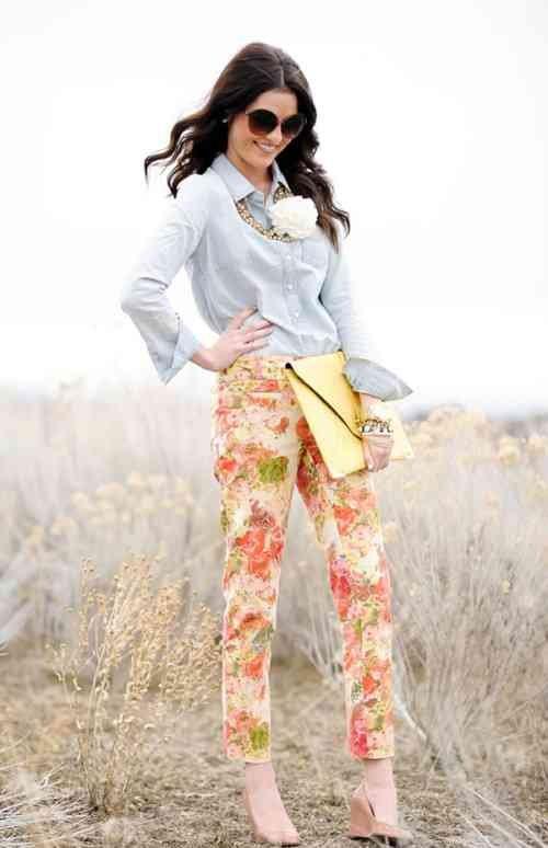 cum sa porti pantaloni cu imprimeuri in aceasta vara2