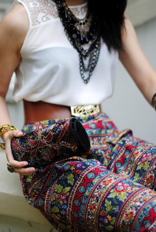 cum sa porti pantaloni cu imprimeuri in aceasta vara6