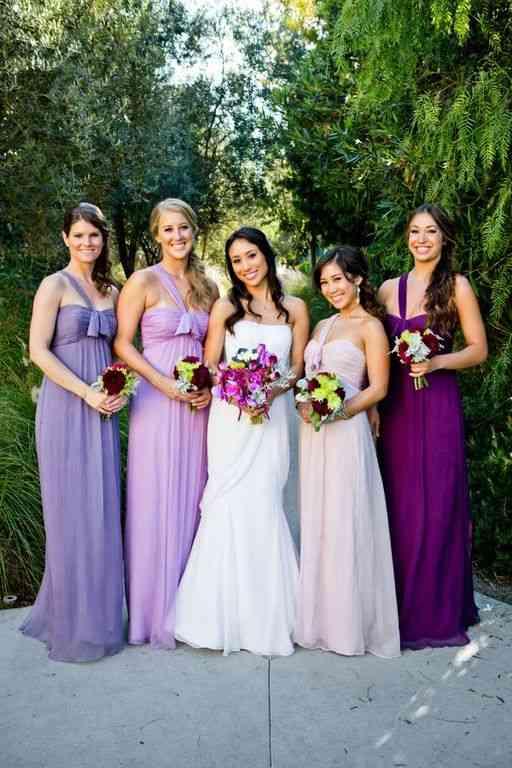 rochii din aceeasi paleta coloristica
