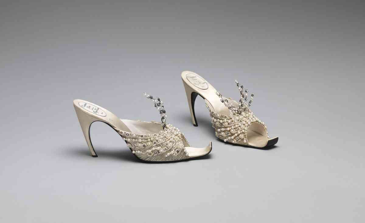 Christian-Dior-French-1905–1957.-Roger-Vivier-French-1913–1998-for-House-of-Dior.-Evening-Slippers-1960