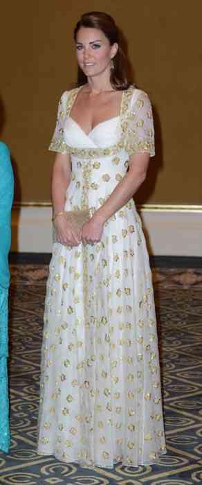 kate-middleton-rochie alba cu auriu
