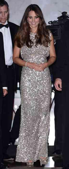 kate-middleton-rochie argintie