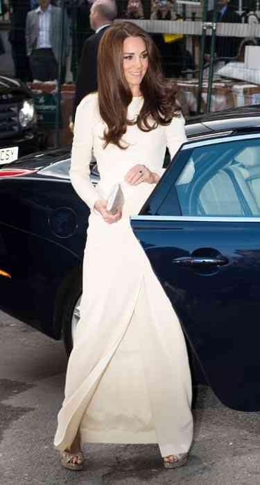 kate-middleton-rochie cu maneci lungi