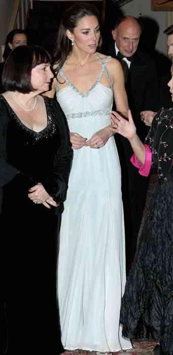 kate-middleton-rochie gri