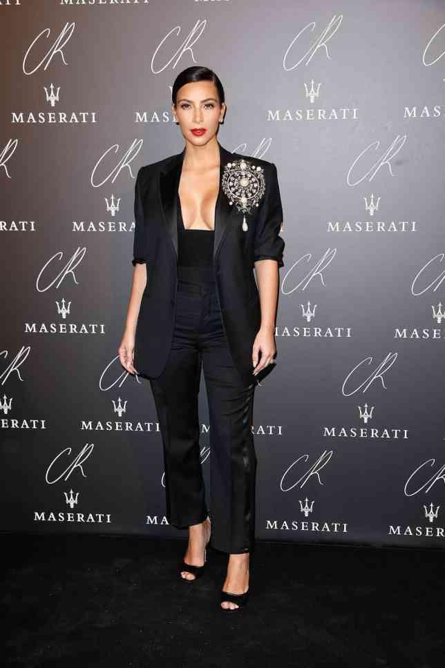 salopeta neagra la moda 2014